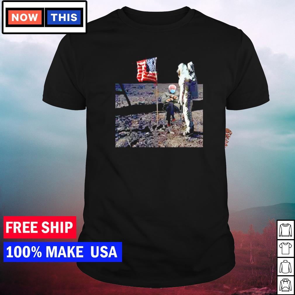 Astronaut Bernie Sanders on the moon American Flag shirt